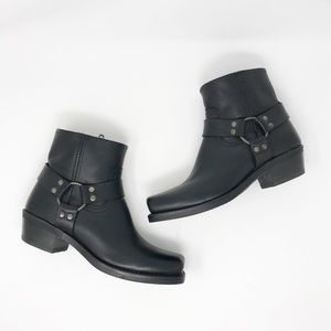 Frye Harness 8R Black Boots Size 8.5